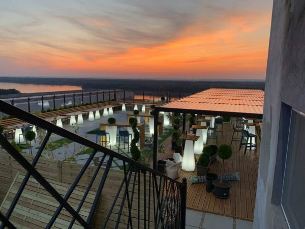 Bioclimatic_Pergola_Colori_Terrace_Sunset