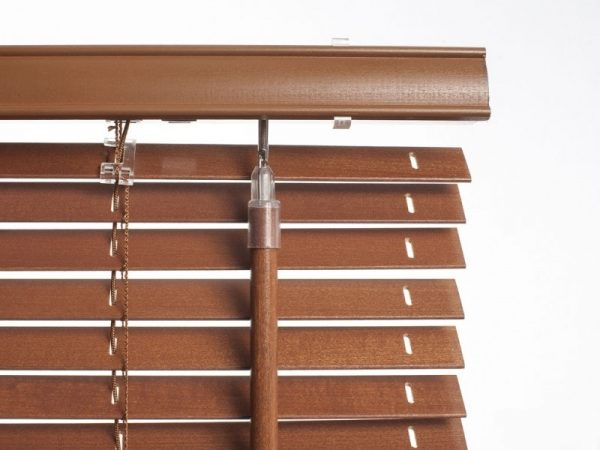 COLORI_25mm_slat_wooden_venecian_blinds_Real_Wood_Blind_mechanism