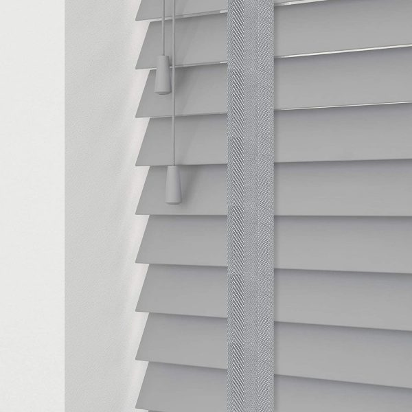 COLORI_wooden_horizontal_blinds_Grey_Real_Wood_room